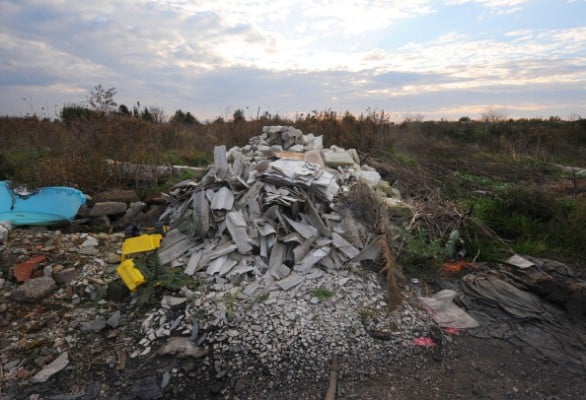 ITALY-ENVIRONMENT-AGRICULTURE-WASTE-DUMP-FIRES