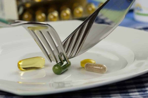 L'importanza di assumere integratori e vitamine in una dieta vegana